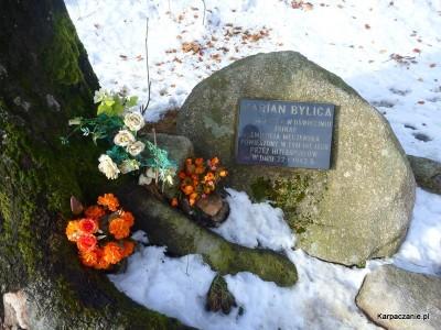Pomnik Mariana Bylicy 5